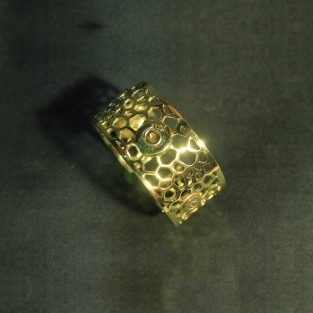 Angkor bee nest peace cuff