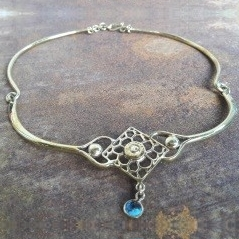 Angkor square bee nest peace necklace with stone